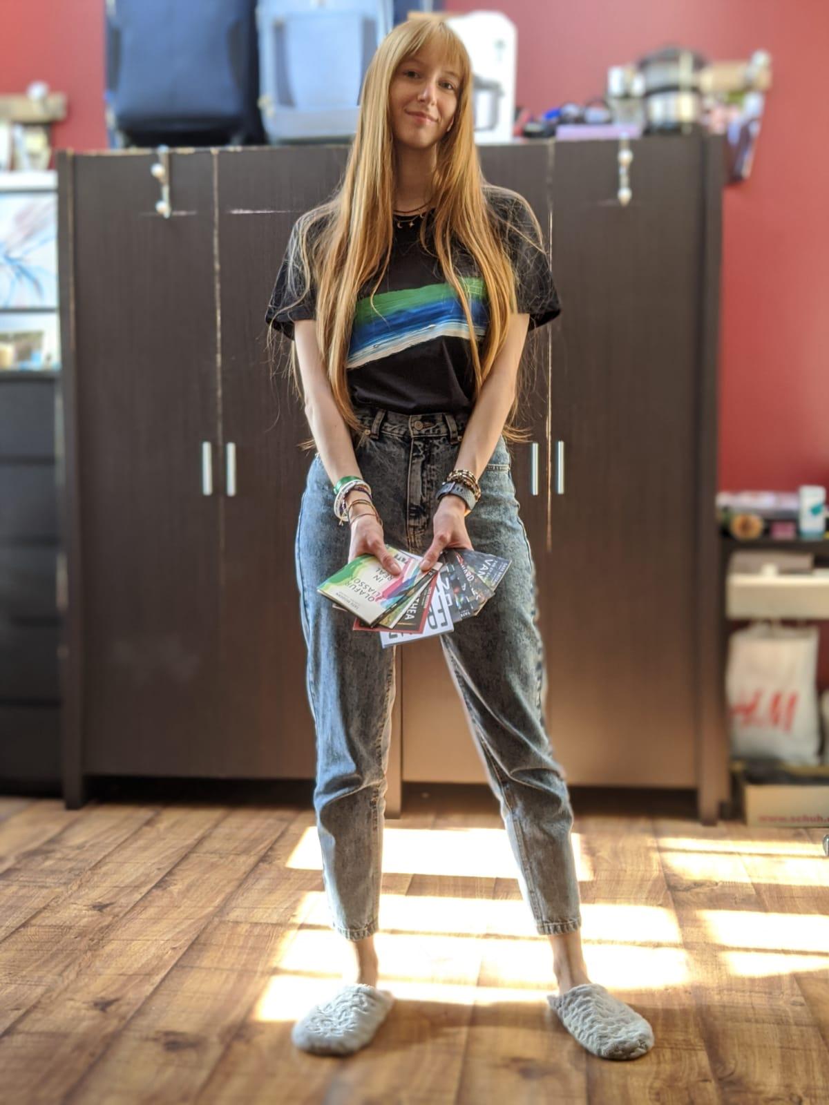 Cristina Ricci wearing Sani Label t-shirt for Tate Shop